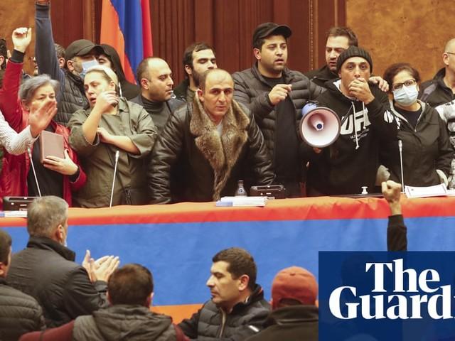 Nagorno-Karabakh: Armenia PM signs 'painful' deal to end war with Azerbaijan