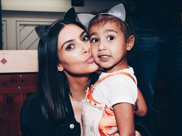 Kim Kardashian's Photo Of North & Chicago Hanging Out Together Is So Cute, It Hurts