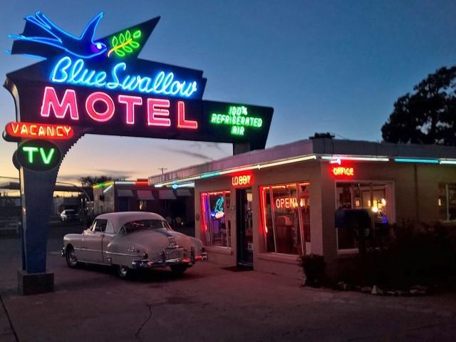 15 Classic Roadside Motels You Can Visit Along America's Highways
