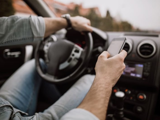 More Than a Third of Adults Confess to Holiday Shopping While Driving