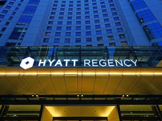 The Hyatt story: How a packed LAX motel and a $2.2 million offer scribbled on a napkin spawned one of the world's biggest hotel empires