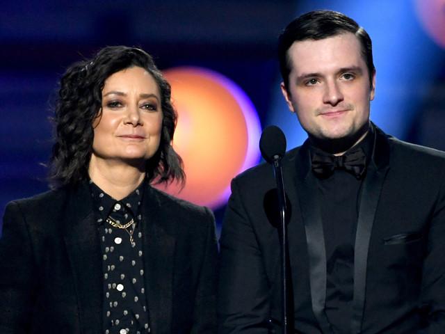 Josh Hutcherson & Sara Gilbert Take the Stage at Critics' Choice Awards 2019