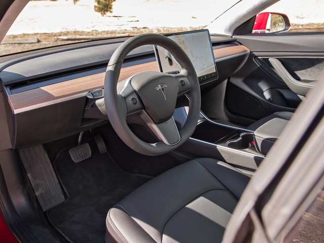 Video Exclusive: A Closer Look at the Tesla Model 3's Interior