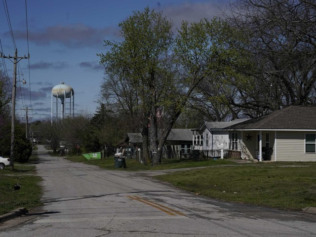 A deadly 'checkerboard': Covid-19′s new surge across rural America