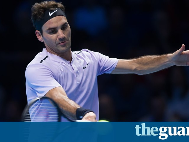 Roger Federer beats Alexander Zverev to reach ATP World Tour Finals semis