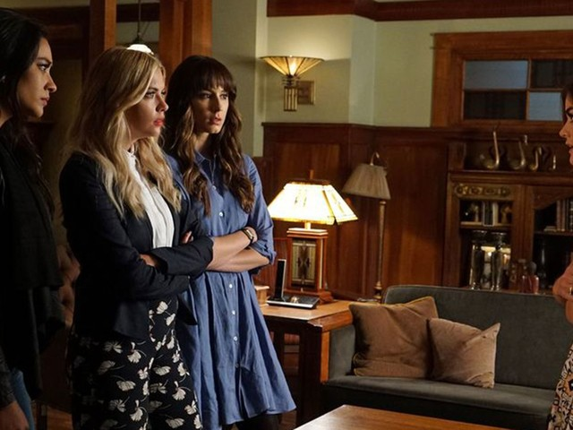 These Pretty Little Liars Theories Give Us Hope For Season 7B