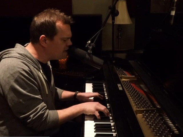 Official Video: Umphrey's McGee's Brendan Bayliss Performs Solo Piano 'Push & Pull'