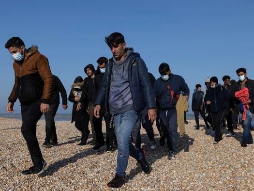 UK: Record Number Of Migrants Crossing English Channel