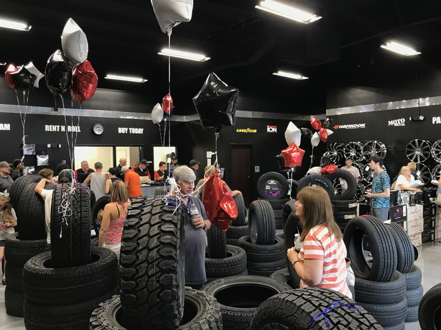 RNR Tire Express and Custom Wheels Franchisee Expands Into Missouri