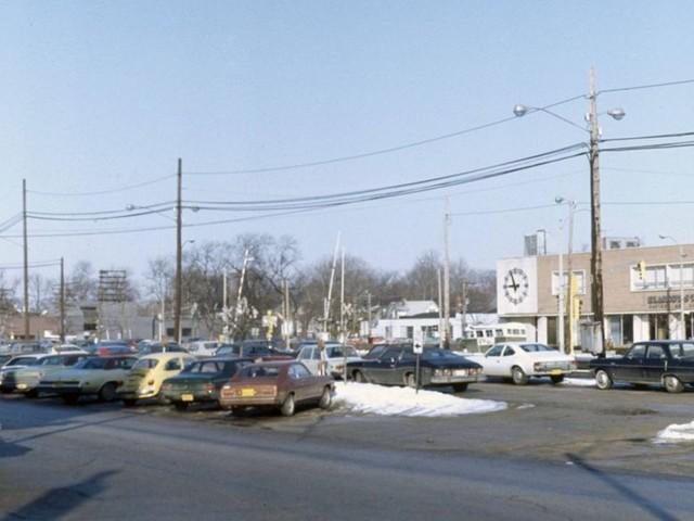 Elmhurst, Illinois, 1975