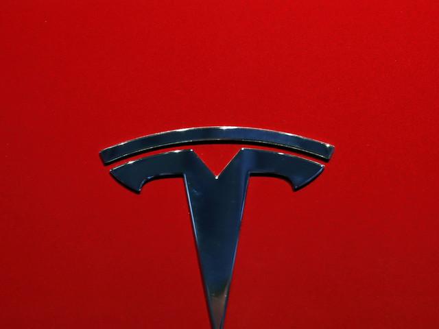 NTSB: Autopilot was in use before Tesla hit semitrailer