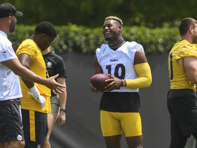 Smith-Schuster returns to Steelers seeking strong season