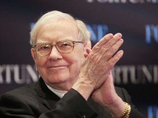 Warren Buffett sold more than $800 million worth of Apple stock last quarter