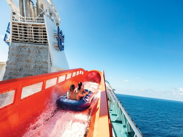 Video: 10 awesome FREE things to do on a Royal Caribbean cruise ship