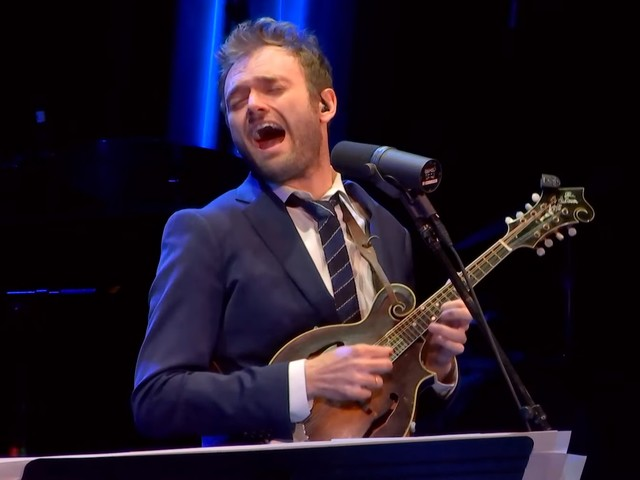 Chris Thile & 'Live From Here' Band Covers Yo La Tengo