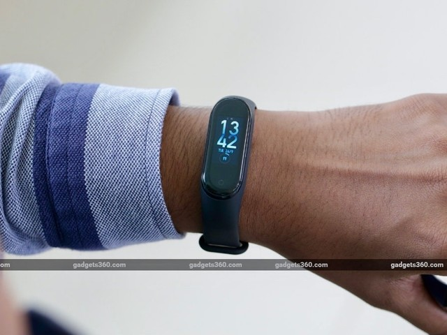 Redmi Fitness Tracker Reportedly Spotted in Mi Fit App