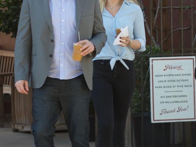 Lindsay Shookus, Ben Affleck's girlfriend, reportedly spent an hour with Jennifer Garner