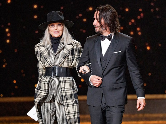 Diane Keaton's Oscars Look Thinks A Long Walk Around The Park Sounds Divine Right About Now