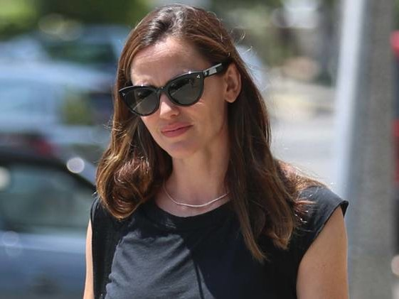 Jennifer Garner Is #Goals in How to Deal With Your Cheating Ex