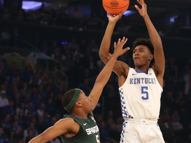 NCAA basketball rankings: Kentucky takes over top spot in AP Poll
