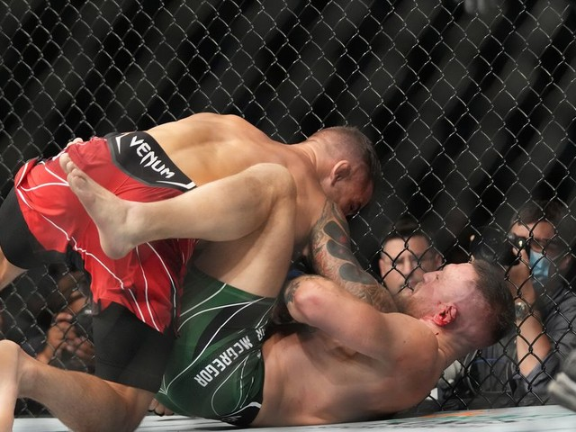 Scouring the scoring: Should Round 1 of Poirier vs. McGregor 3 be a 10-8?
