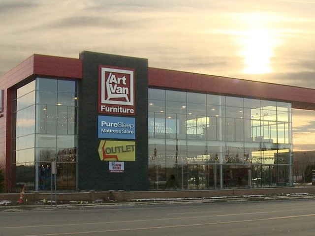 Art Van opens flagship store in Canton Township