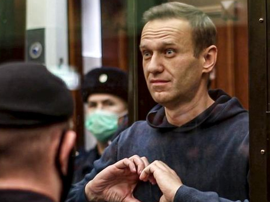 """Russia Blasts Biden's """"Aggressive"""" Speech; Navalny Back In Court On New Charges"""