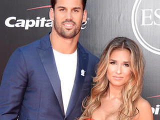 Jessie James Decker Says Eric Didn't Intend to Take Part in Team's National Anthem Protest