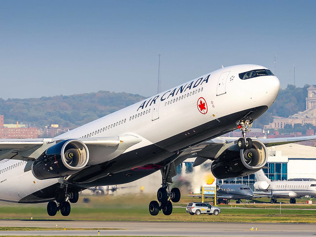Hours on hold: Frequent travelers describe what it's like to get through to Air Canada and Aeroplan