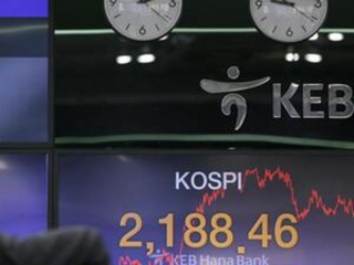 Global stocks rise as US averts government shutdown