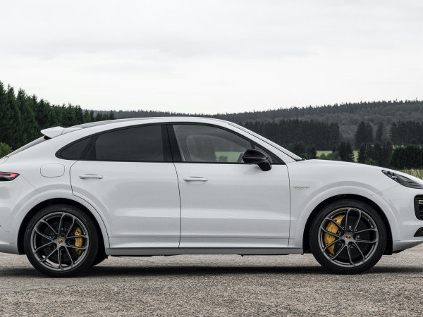 2021 Porsche Cayenne E-Hybrid and Turbo S E-Hybrid gain larger battery pack