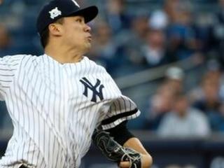 Tanaka stays with Yankees; Indians keep Brantley