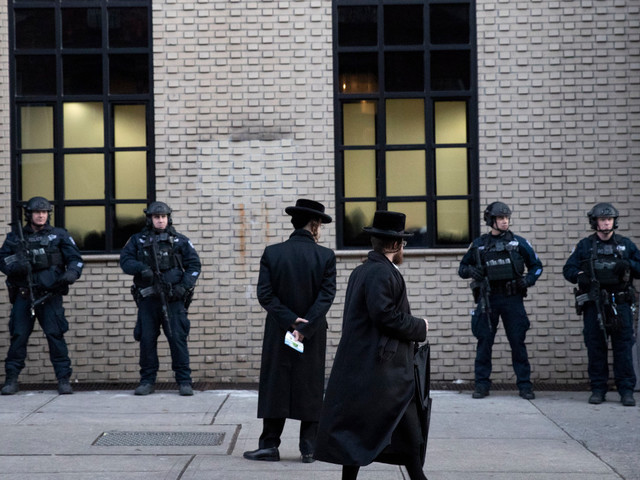After series of attacks, NYC boosts police patrols in Jewish areas