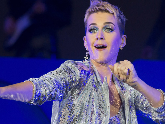 After Fueling Their Feud For Weeks, Katy Perry Apologizes To Taylor Swift