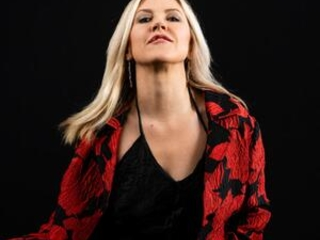 Rocker now writer Liz Phair dives deep into emotion, memory