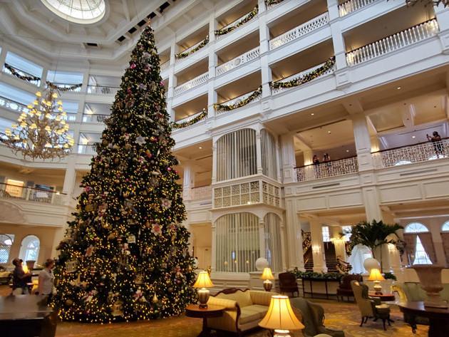 DISNEY PARK PICS: Grand Floridian   Christmas Ornaments