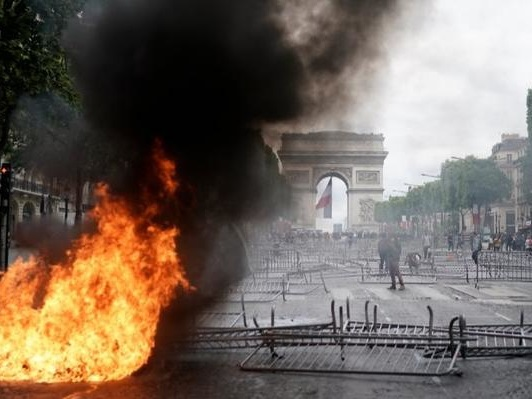 Paris Violence Worst In Months As Yellow Vests Clash With Police On Bastille Day