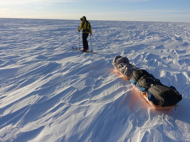A 33-year-old American just became the first person to cross Antarctica alone and unaided. He survived on oatmeal, freeze-dried meals, and energy bars.