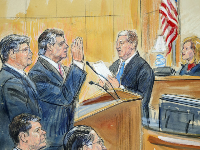 Paul Manafort appears in court in wheelchair