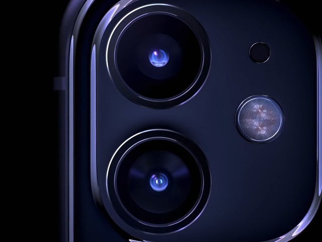 The iPhone 11 is missing 6 modern smartphone features, and it feels like a placeholder for something better coming later (AAPL)