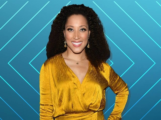 "Robin Thede Returns to ""E! News"""