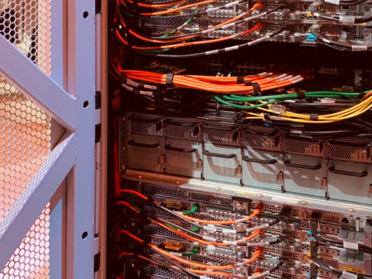 AWS Outposts begins to take shape to bring the cloud into the data center