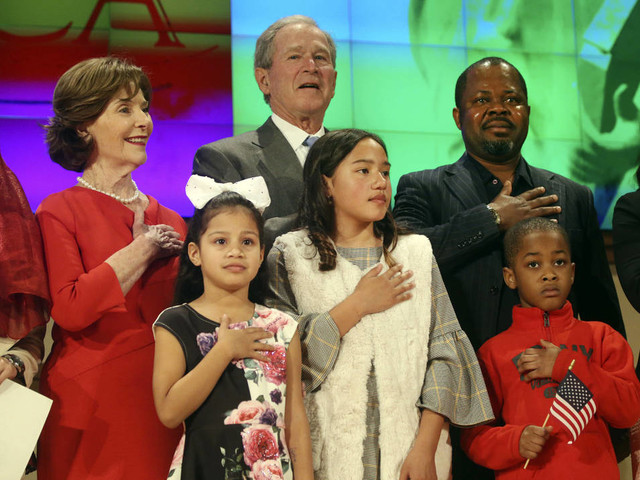 Former President Bush welcomes new US citizens at Texas ceremony