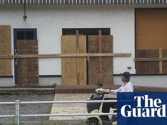 Typhoon Hagibis: Japan prepares for lockdown as storm approaches