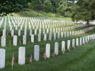10 Memorial Day Quotes to Honor Those Who Died in Service