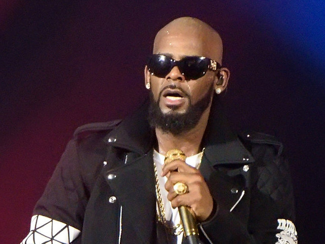"""R. Kelly Reportedly Having Panic Attacks Over """"Surviving R. Kelly"""" Lifetime Documentary"""