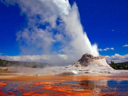 "Yellowstone Steamboat Geyser Erupting At ""Unprecedented Rates"""