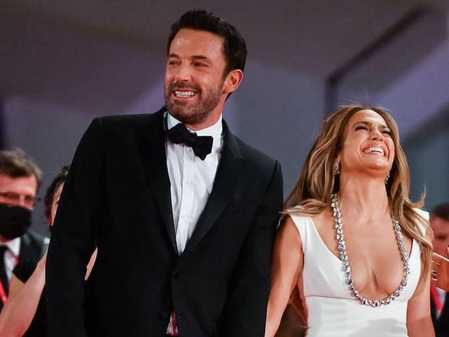 Jennifer Lopez, Ben Affleck Skipping Big Wedding And Eloping Instead, Report Says
