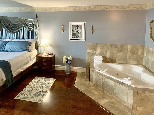 Feb 5, British Columbia Hot Tub Suites - Private In-Room Hotel Spa Tubs