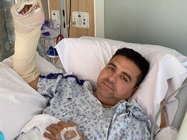 'Cake Boss' star Buddy Valastro mangles hand in bowling accident